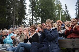 Birgit Palm, längs till höger, tillsammans med vännerna Annette Gradin och Birgitta Zetterlund (från vänster).