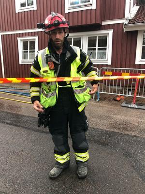 Styrkeledare Fredrik Candell vid branden i centrala Falun.