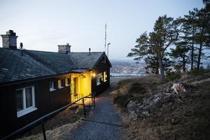 Restaurangen på Vårdkasbergets topp har de drivit sedan 2012.