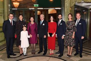 Delar av kungafamiljen vid ett seminarium på Oscarsteatern i Stockholm med anledning av drottningens 75-årsdag. Foto: Jonas Ekströmer / TT