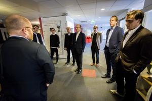 På torsdagen var stora delar av Bonnier-familjen på besök i Söderhamn, för att lära sig mer om tidningshusen i Hälsingland.