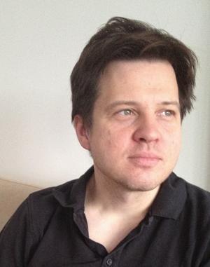 Avestabördige Henrik Malm Lindberg, docent i ekonomisk historia, menar att Sverigedemokraternas tidning Samtiden presenterar en förljugen bild i sin dokumentär om Socialdemokraterna.