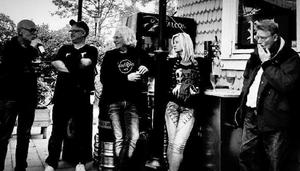 Gruppen Musikanterna från Nynäshamn hyllar Cornelis Vreeswijk på Cornelisdagen.