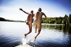 Naturistbad vid sjön Ramsen, Fjällnora, nära Uppsala.