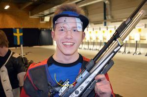 Daniel Wallberg överträffade alla förväntningar och vann finalen i luftgevär under helgens junior-SM.