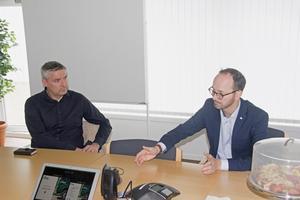 Avesta kommuns kommunalråd Lars Isacsson (S) var också på plats hos Ernst express vid Tomas Eneroths besök
