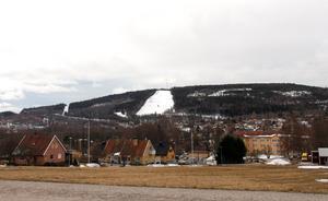 Nu är Skönviksbacken stängd för säsongen – men förhoppningsvis öppnar den till nästa säsong. Hur driften av anläggningen sköts då är oklart.