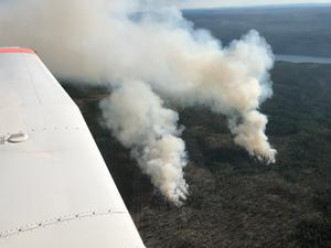 Far och son Wicander har upptäckt flera skogsbränder i norra Dalarna under förra veckan. Foto: Peter Wicander.
