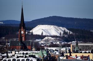 Nackstafjället, taget från Sundsvallsbron. Foto: Martin Martinsson.