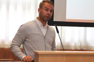 På torsdag ska biträdande kommunchef Mikael Björk, diskutera fastighetsförvaltning med berörda parter.