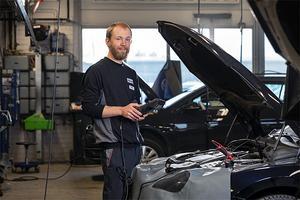 Lars Kvick är arbetsledare och servicetekniker på Bilmetro i Bollnäs.