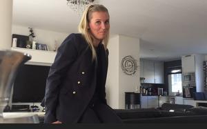 - Hon är duktig, hundarna tycker om henne, konstaterar stolta mamman Anna Bernström.
