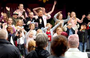Ånges barnkörer var ett av de första inslagen under Kulturnatten 2019.