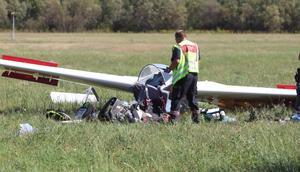 Flygplanet kraschade av oklar anledning på ett gärde i närheten av flygplatsen
