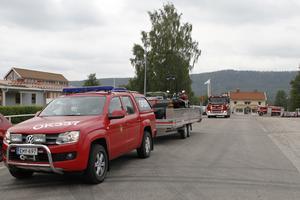Totalt kom sju fordon, med 29 brandmän, till Färila på lördagseftermiddagen.
