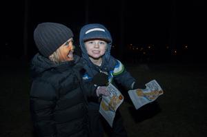 Stella Larsson och Vidar Einarsson tyckte att det både var läskig och roligt i Forsparken.