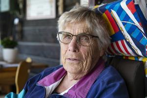 """""""Det har aldrig varit en börda, trädgården och barnen har gjort mig så här gammal"""", säger Anna Brissel."""