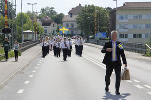 Mikael Peterson ledde marschen från kyrkvallen till Kungsudden.