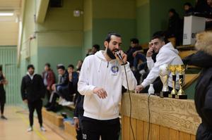Ahmad Khreis presenterar vinnarna.