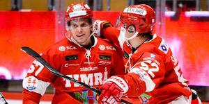 Anton Wedin prisades som årets poängbästa spelare på hemmaplan i Timrå IK efter mötet med HV71.  Bild: Pär Olert / BILDBYRÅN