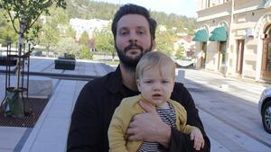 Kalle Brunn, 33 år med snart ettårige Edgar, controller, Fagervik.