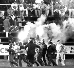 Derbystämning på Hofvallen inför derbyt mellan IFK och Ope i slutet på juli 1981. Ope vann matchen.