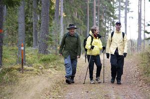 Jan-Olof Montelius, Lena Montelius och Lars-Göran Nordlund vandrade mellan Stennäset och Bjursås.