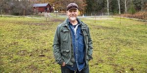 Livet på landet var helt nytt för Kåre Mölder. Nu är han pensionär och i sitt nya paradis har mer att syssla med än någonsin.