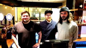 Carlos Saldes, ägare till Bara Vara, Max Åkesson, kvällsansvarig i köket/souschef och Pontus Jansson, Tenth Crew är tre av de drivande i nya satsningen Magasinet i Bara Varas västra lokal.