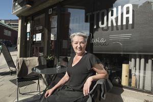 Efter många kämpiga år har Nevia Sternad till slut fått Örnsköldsviksborna att köpa hennes restaurangkoncept.