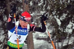 I bagaget till VM har Magdalena Neuner med sig att hon sköt fem bom på sista stationen i den sista tävlingen. har hon bättre kontroll på grejerna i VM lär alla andra få det svårt. Mer än svårt.