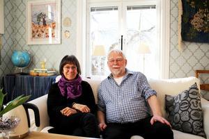 Lotta Mattsson-Gudmundsson kommer ursprungligen från Stockholm och Gunnar Gudmundsson kommer från Västergötland.