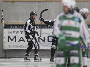 Ted Haraldsson efter sitt snabba premiärmål. FOTO: PERNILLA WAHLMAN