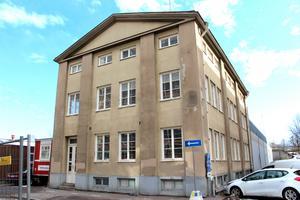 Gefle Makaronifabrik blev rikskänd i romanen Solidärer. I byggnaden finns en unik industrihiss därför ska den bevaras.