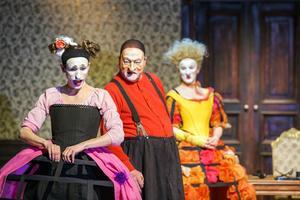 Föreställningen bjuder på lysande skådespeleri. Foto: Pressbild/Lia Jacobi