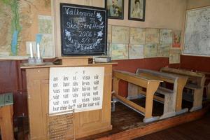 Många detaljer i skolsalen har bevarats sedan skolan stängde på 40-talet.