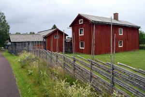 Matsgården är en intakt gammal gård på sin ursprungliga plats. Men det var närs att den flyttades till Skansen.