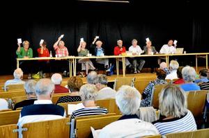 Stort intresse. Många tog sig till Lindeskolans aula för att lyssna på SPF:s politikerdiskussion.Foto: Sofia Gustafsson