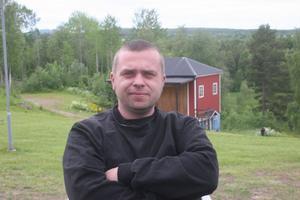 Tobias Eriksson från Bergsjö är ordförande i arrangerande Nordanstigs musikförening och har även en ordinarie plats i parkföreningens styrelse.