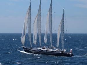 1987 lämnade Ricky Malaise Gävle. Han var kapten på lyxbåten Phocea när myndigheterna på ön Vanuatu slog till. Anklagelserna rör bland annat misstänkt  vapensmuggling.