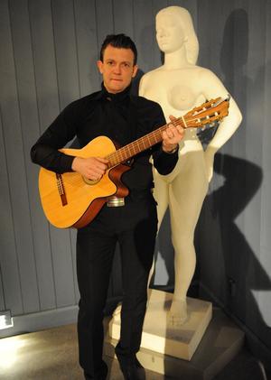 Kvinnodagen uppmärksammades i går kvälli Funäsdalen då  Peter Barlach bjöd på en föreställning.