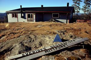 Munkbysjöns intresseförening efterlyser en arrendator av serveringen på Flataklockens topp.
