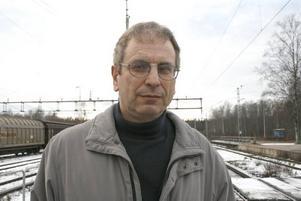"""Trodde inte sina öron. Ingenjören Hans Kaplan reagerade när han fick höra att tågpersonalen på Tåg i Bergslagen skulle stänga toaletten när han åkte mellan Borlänge och Gävle i söndags. """"Budskapet var att tåget inte skulle klara av för många toalettbesök"""", säger han."""