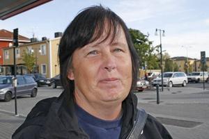 Tiina Kauppi, 48 år, personlig assistent, Hofors:– På grund av att vi har för mycket invandring.
