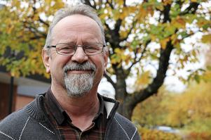 Stig Malmberg har  numera också lämnat Sverigedemokraterna i den digitala värld där han fram till nyligen släpade kvar på flera olika sätt.