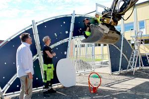 Det byggs för fullt på Vattudalens skolgård i Strömsund. Och det är ett medborgarförslag från en skolelev som var startskottet för bygget.