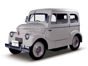 Nissan Tama Ev är inte bara ett vackert fordon från 1947, det är dessutom en elbil. Efter andra världskriget var det ont om bensin i Japan, däremot fanns gott om el. En laddning räckte till 65 kilometers körning i max 28 kilometer i timmen.