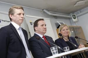Statsminister Stefan Löfven, finansminister Magdalena Andersson och biträdande finansminister Per Bolund presenterar nya skattesänkningar för pensionärerna.