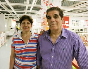 Afsaneh Ansaris bror bor redan i ett BoKlok-hus. Nu får hon och Reza Aziz själva chansen att köpa ett parhus i Holmsund.