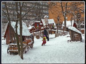 Nu föreslås att det ska byggas ett Lilla Säter i Säterdalen. Inspiration har hämtats från Bryggartäppan i Stockholm som är ritad och byggd av Lekplatsbolaget.  Foto: Ivar Inkapööl